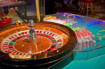 La rubia en el casino - Chistes de mujeres