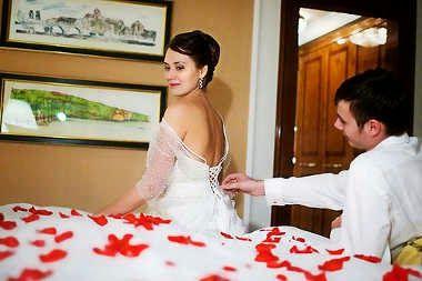 Chiste de casados, noche, bodas, esposa, virgen.