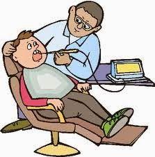 Un tío va al dentista, que tras examinarle le dice :