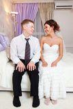 Chistes Casados en el hotel, llegan unos recién casados al hotel y la inocente muchacha le dice al marido